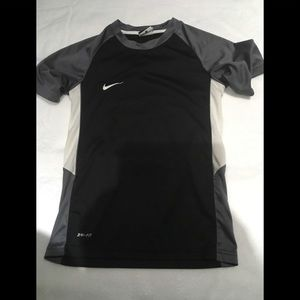 Boys dri-fit nike shirt size small